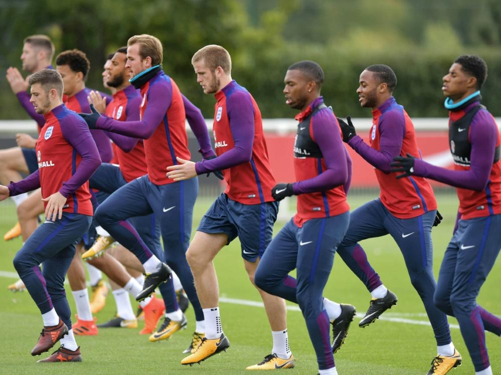 England testet gegen die Niederlande und Italien