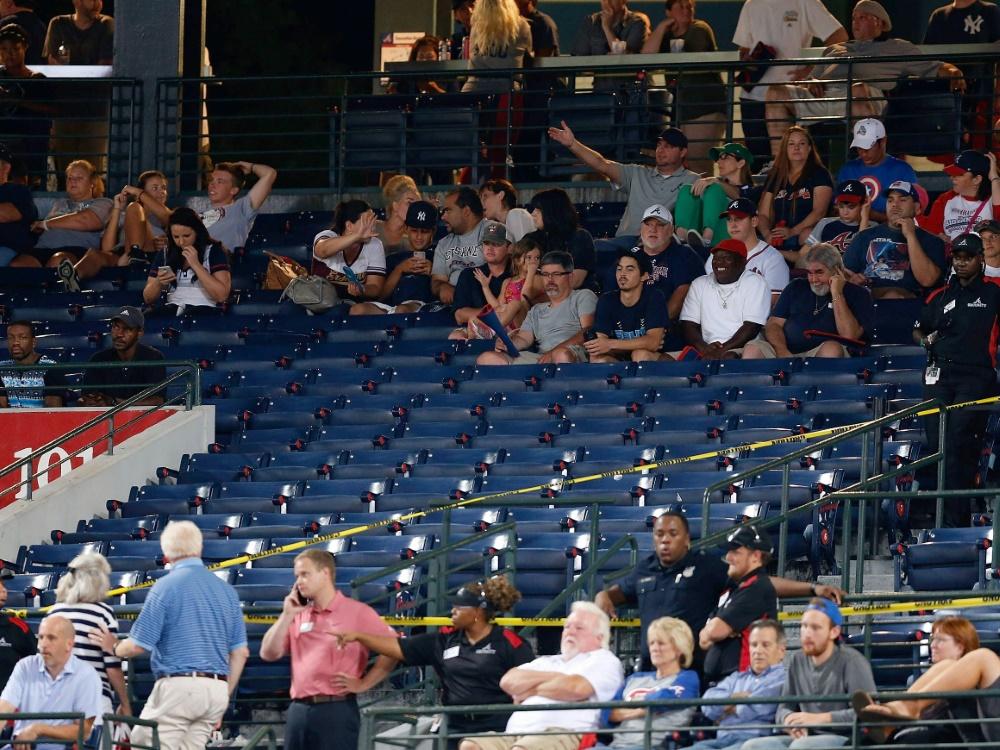 Baseball-Fans stirbt nach Sturz von Tribüne