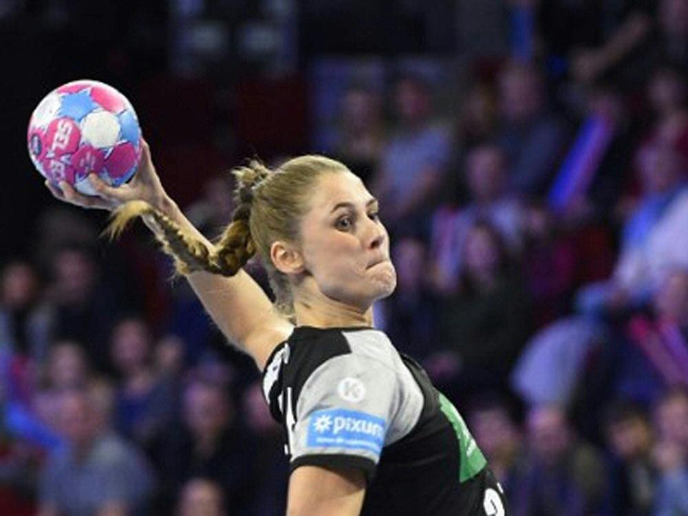 Alicia Stolle erzielt sechs Treffer gegen CSM Bukarest