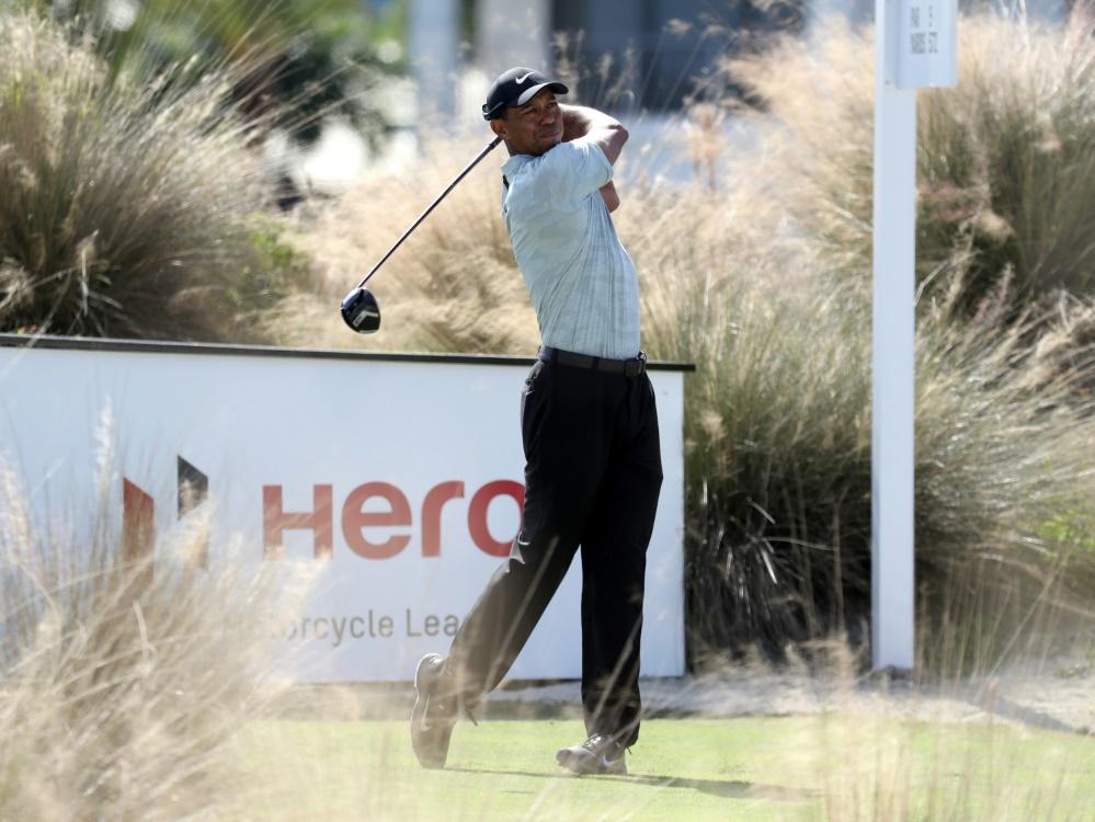 Tiger Woods liegt zum Auftakt schon weit zurück
