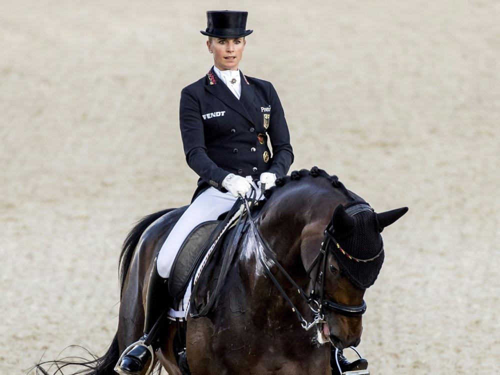 Jessica von Bredow-Werndl gewinnt den Grand Prix Special