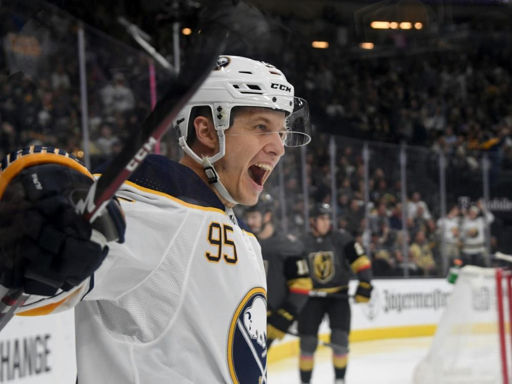 NHL-Spieler Kahun wird Botschafter für Kinderhospiz