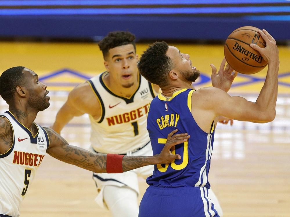 Curry (rechts) stellt neue Bestmarke auf