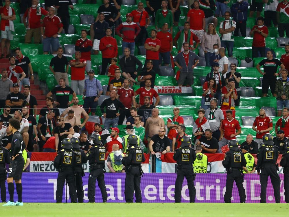 UEFA bestraft Ungarn wegen homophober Plakate