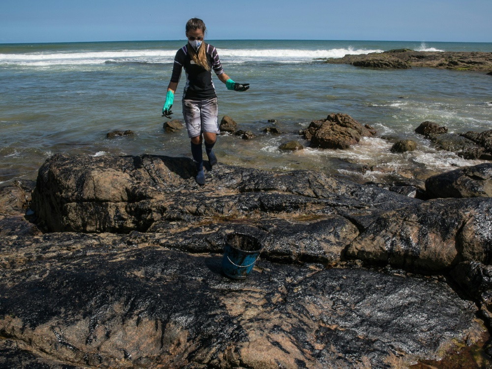 Die Ölpest in Salvador, Bahia