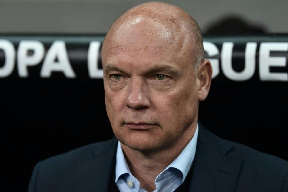 Uwe Rösler sieht City im Duell mit Schalke klar vorne