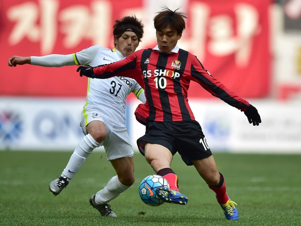 Kazuya Miyahara (l.) leidet an COVID-19
