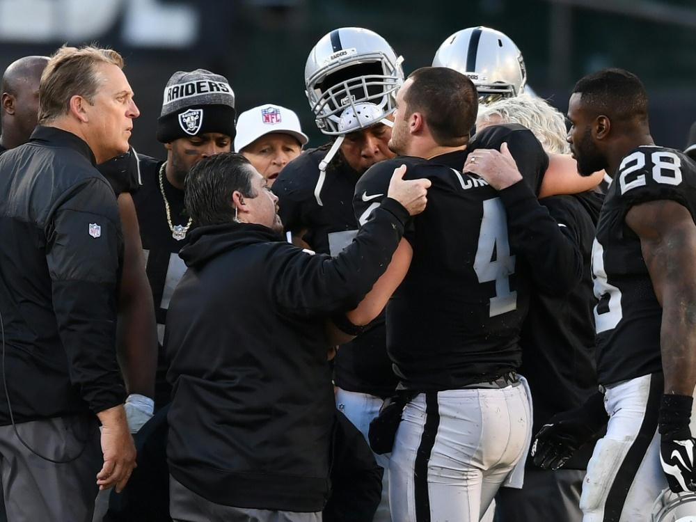 Knöchelbruch bei Raiders-Quarterback Derek Carr (Nr. 4)