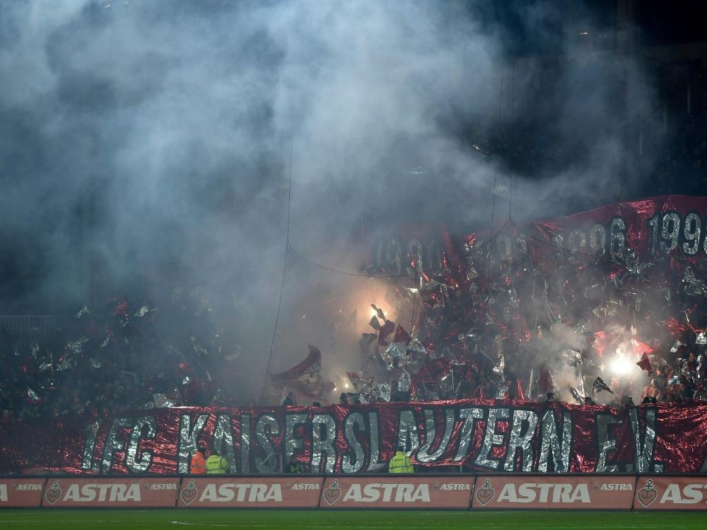 Kaiserslautern-Fans zündeten gegen Jena Pyrotechnik