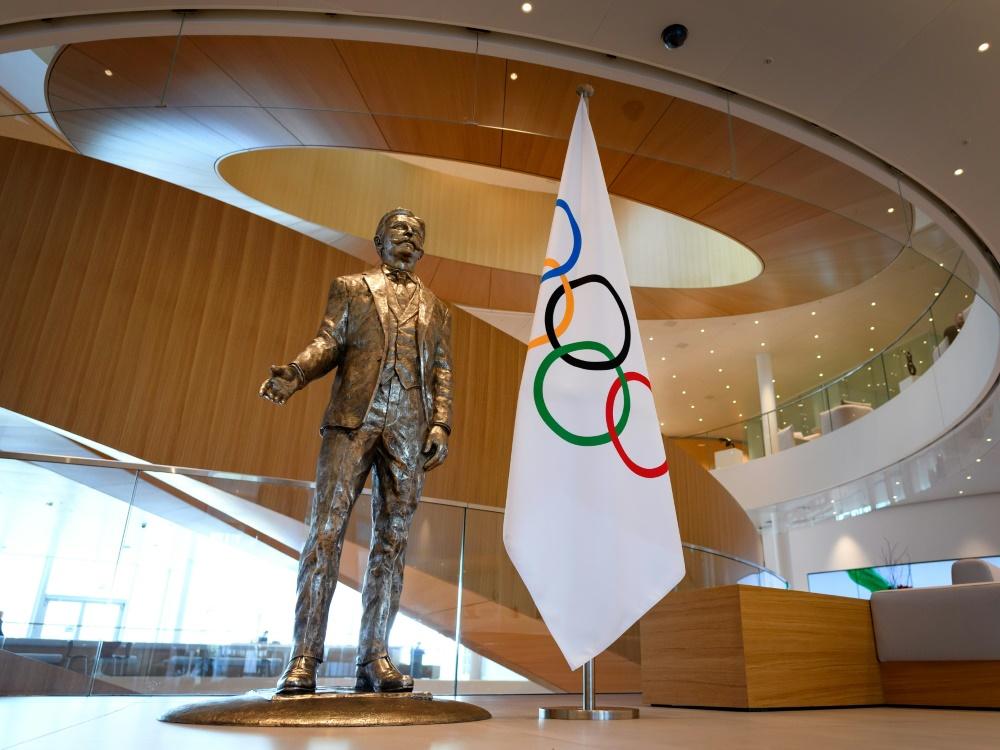 Baron Pierre de Coubertin entwarf die Olympische Flagge