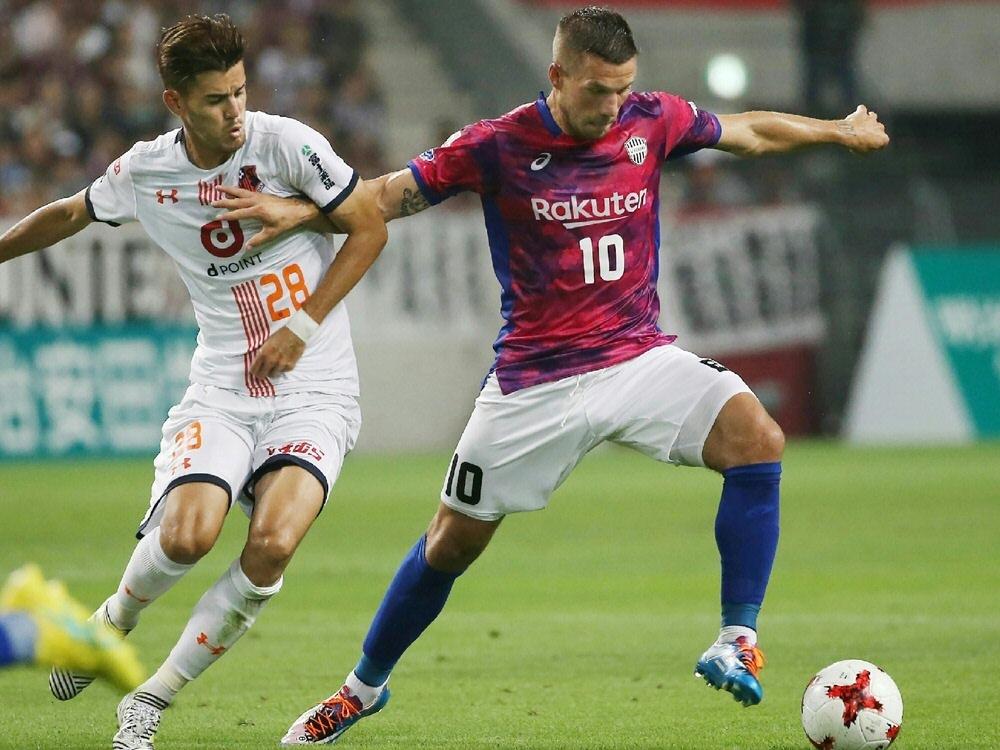 Lukas Podolski gewinnt mit Kobe in Osaka