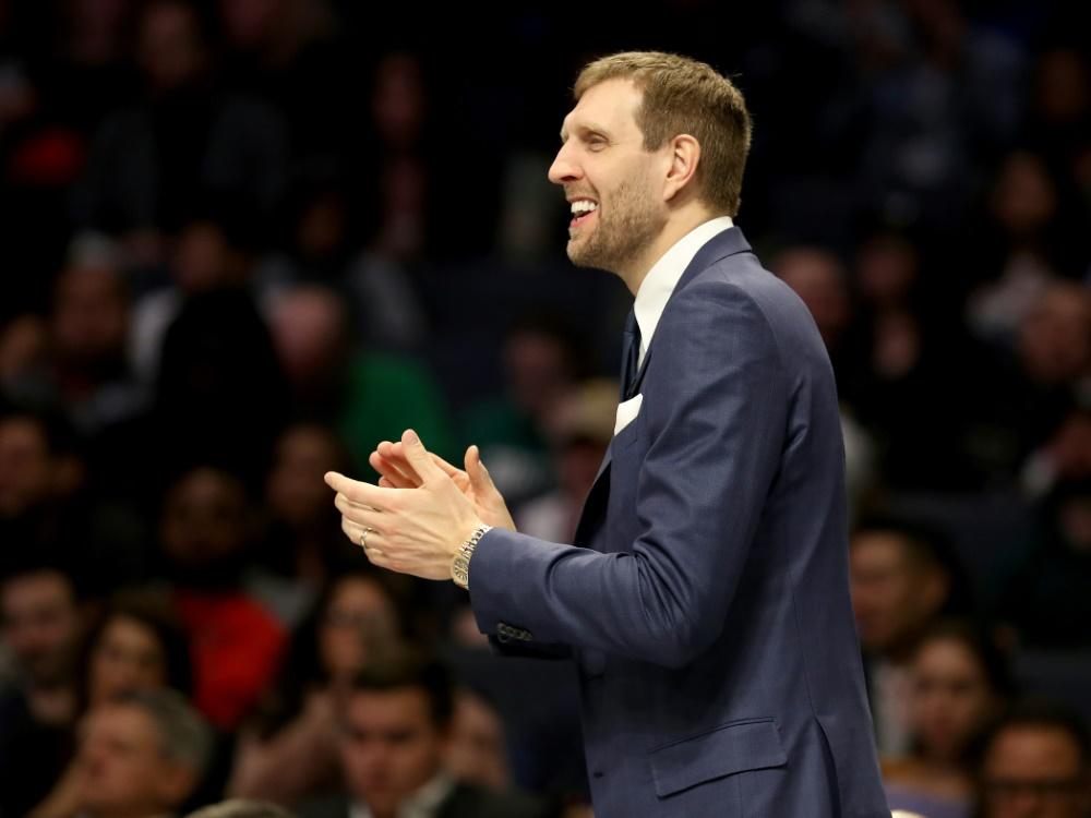 Ehrencoach im feinen Zwirn beim Allstar-Wochenende der NBA: Dirk Nowitzki