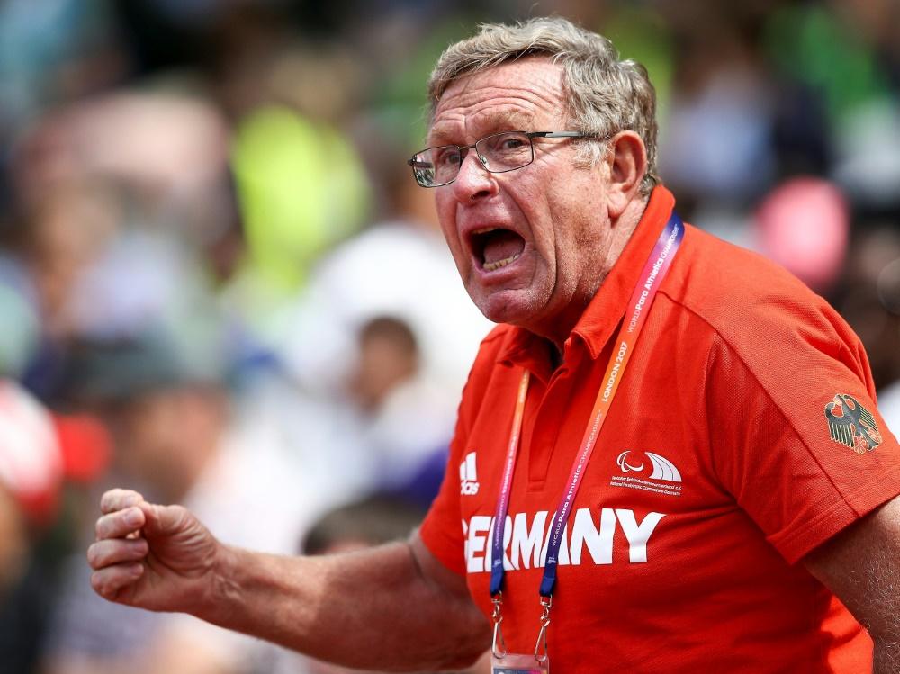 Düe ist bereits seit 1972 Trainer in Leverkusen
