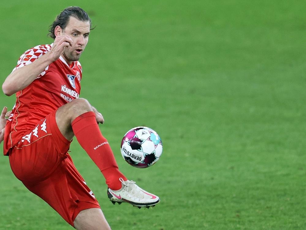 Ádám Szalai verletzte sich im Spiel gegen Freiburg