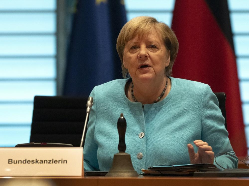 Angela Merkel unterstützt die WM-Bewerbung