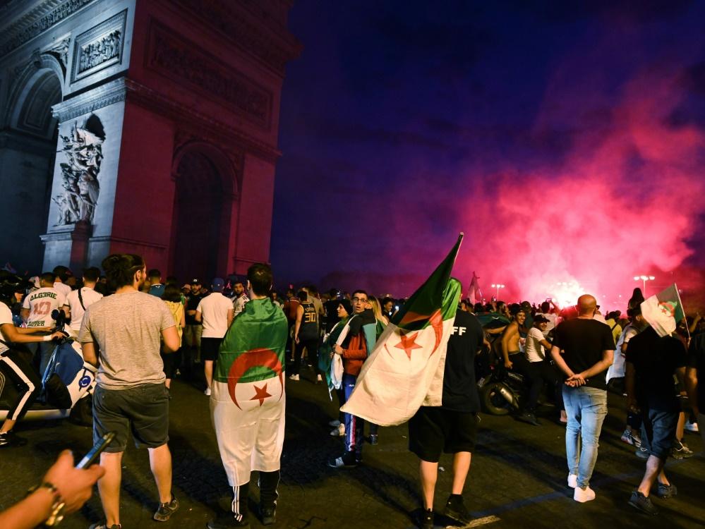 Siegesfeierlichkeiten algerischer Fans in Frankreich