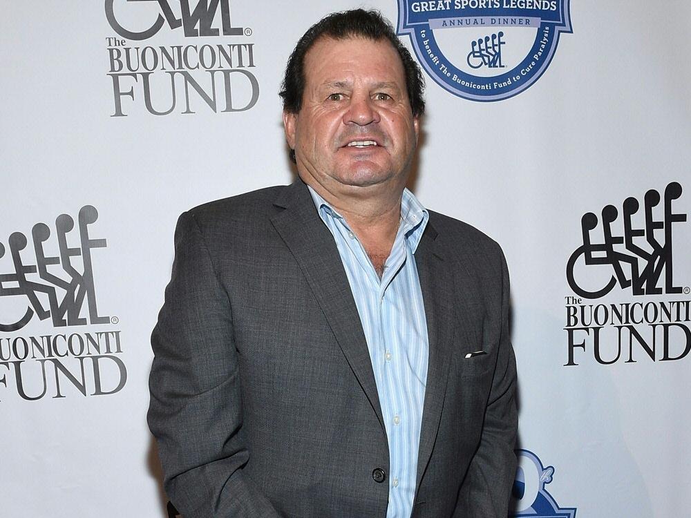 Mike Eruziones Schläger wurde für 290.000 Dollar versteigert