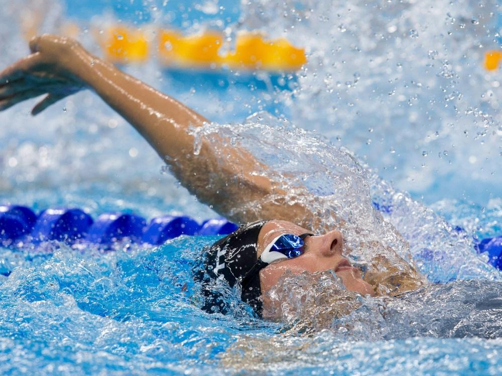 Para-Schwimmerin Schott erzielt eine Weltrekord-Zeit über 200m Rücken