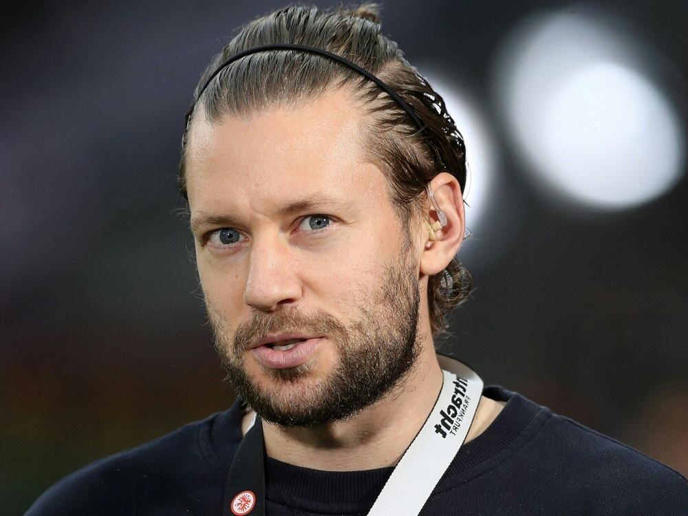 Russ erhält Anschlussvertrag bei Eintracht Frankfurt