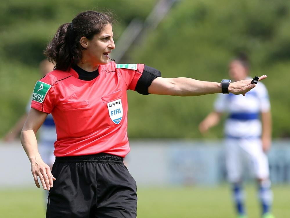 Riem Hussein darf bei der WM ihr erstes Spiel pfeifen