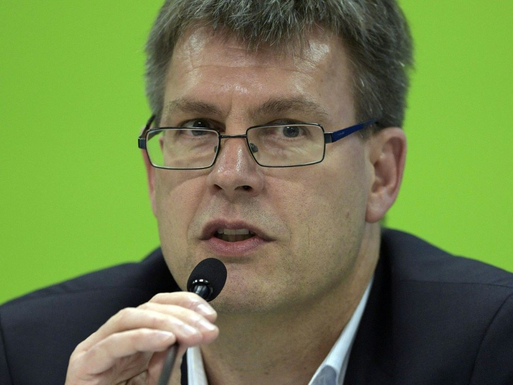 Präsident Weikert vom Tischtennis-Weltverband ITTF