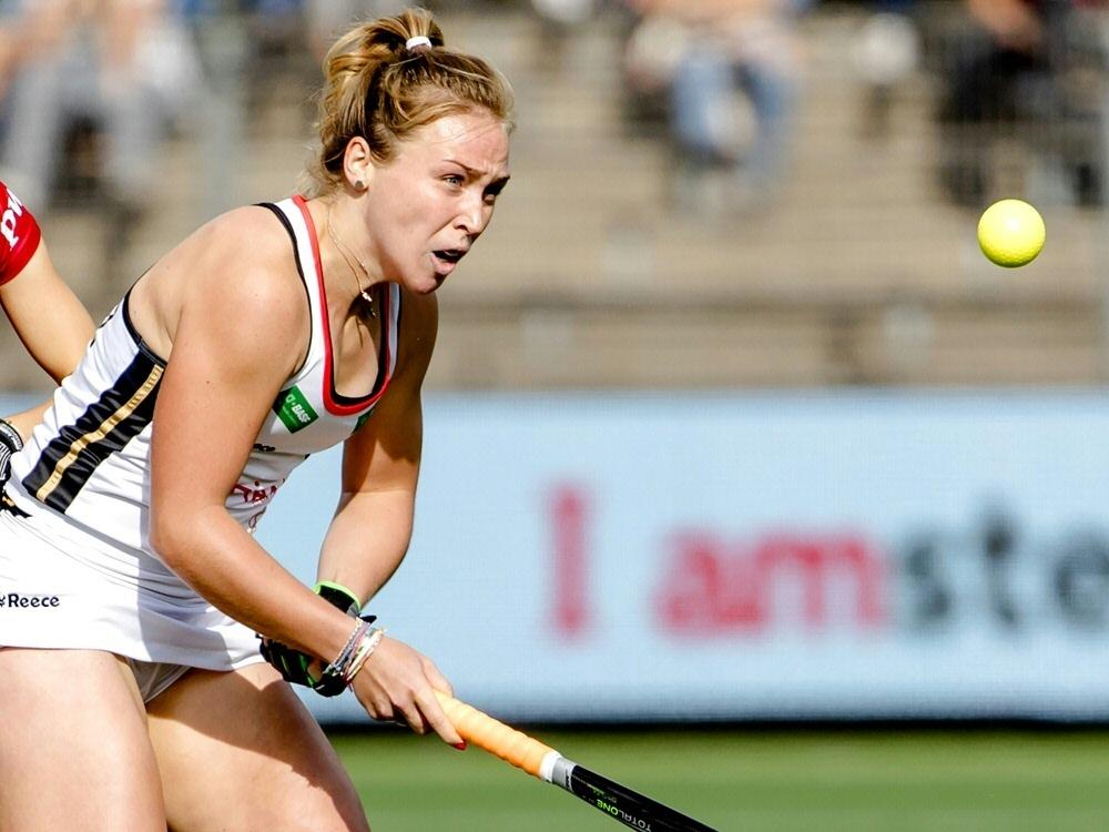 Die deutsche Hockeyspielerinnen schlagen Italien mit 2:0