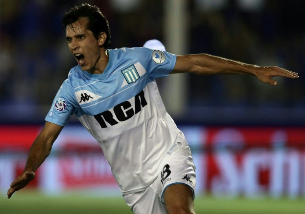 AugustoSolari erzielt das 1:0 für Racing Club