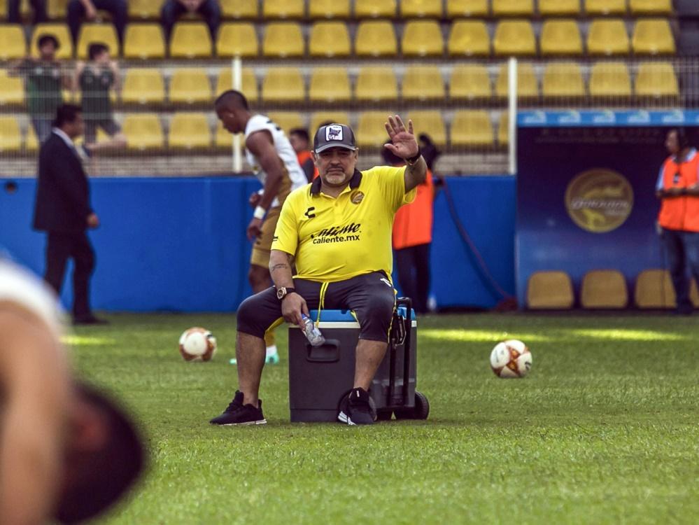 Maradona leidet offenbar an Arthrose in beiden Knien