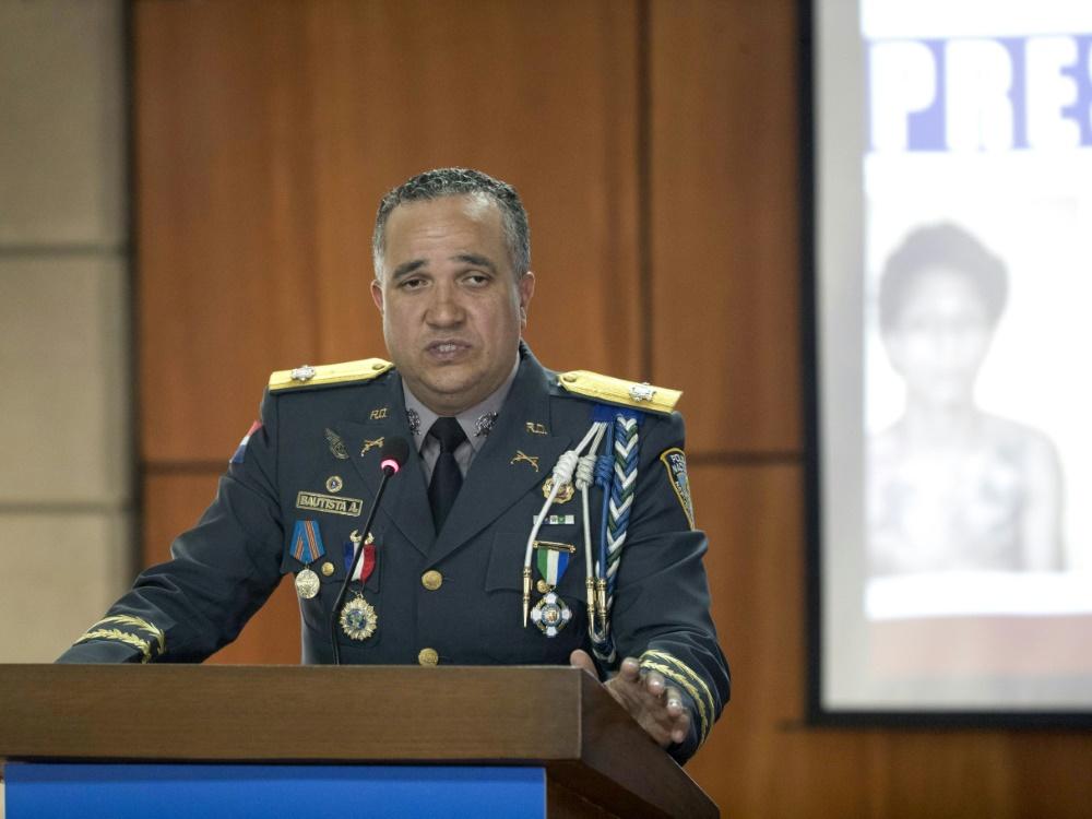 Polizeichef Ney Bautista gibt Einzelheiten bekannt