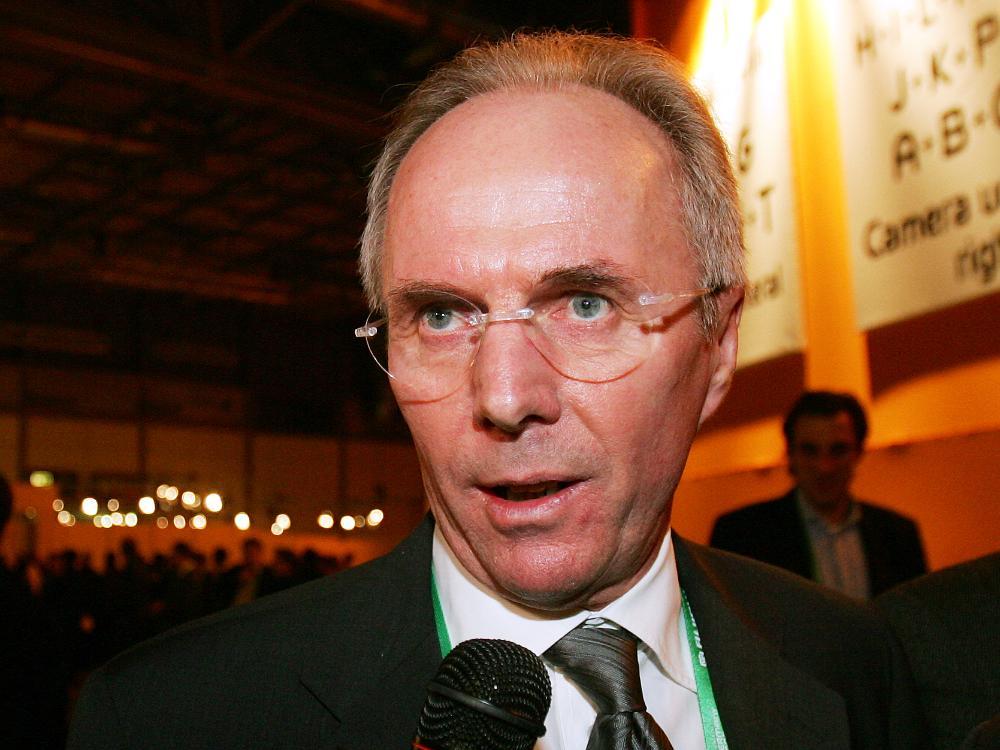 Sven-Göran Eriksson unterschreibt in Shanghai