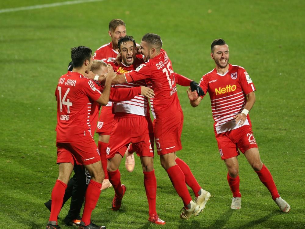 Jahn Regensburg schlägt Paderborn mit 2:0