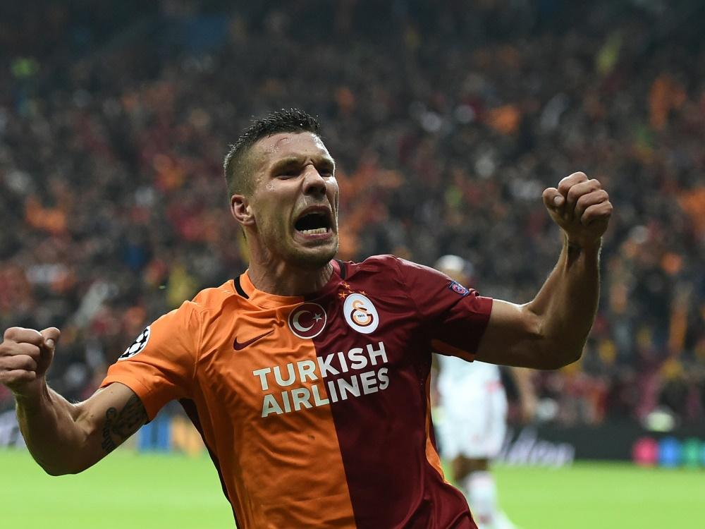 Podolski trifft doppelt und siegt mit Galatasaray