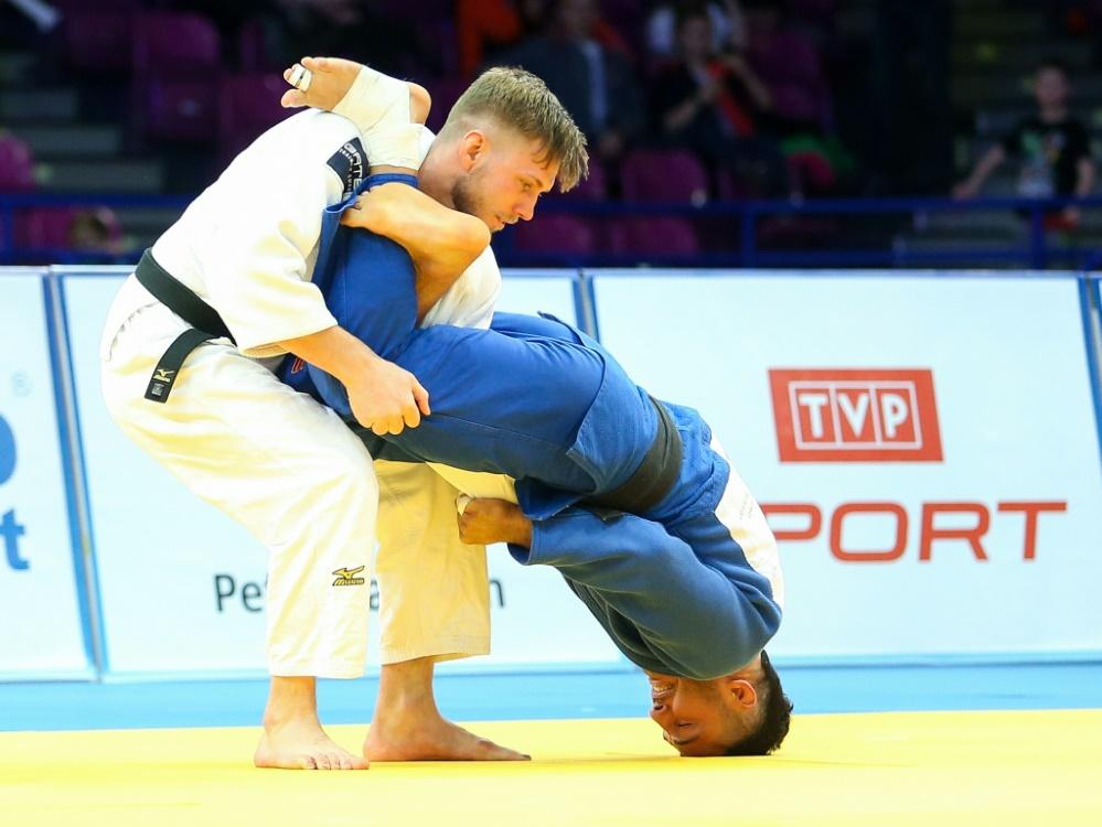 Dominic Ressel (l.) gewann seine erse Goldmedaille