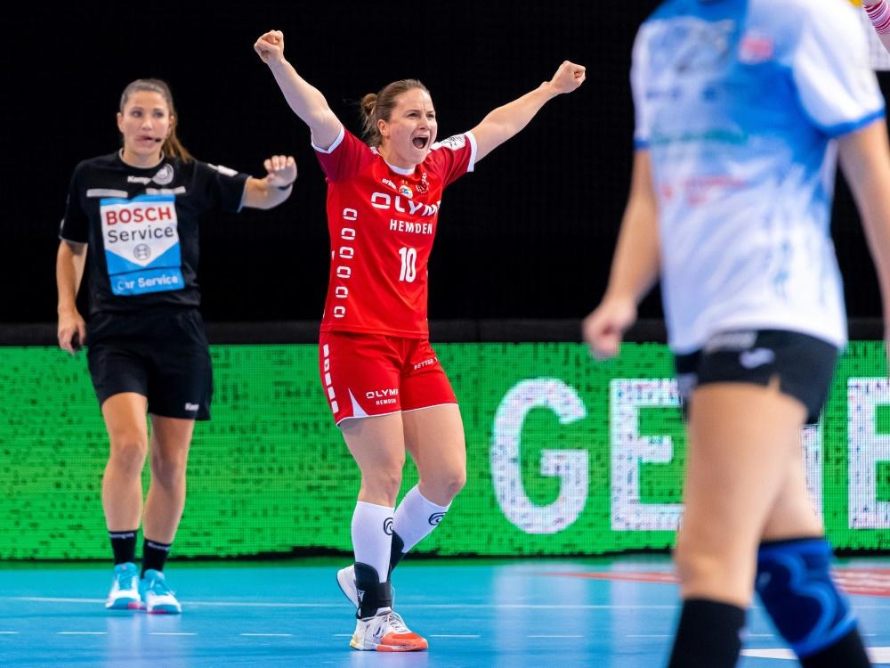 Bietigheim: Anna Loerper (m.) geht in ihre dritte Saison