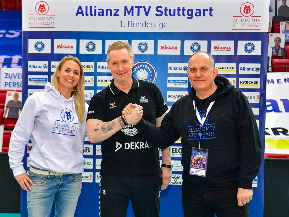 Tore Aleksandersen (M.) bleibt Trainer in Stuttgart