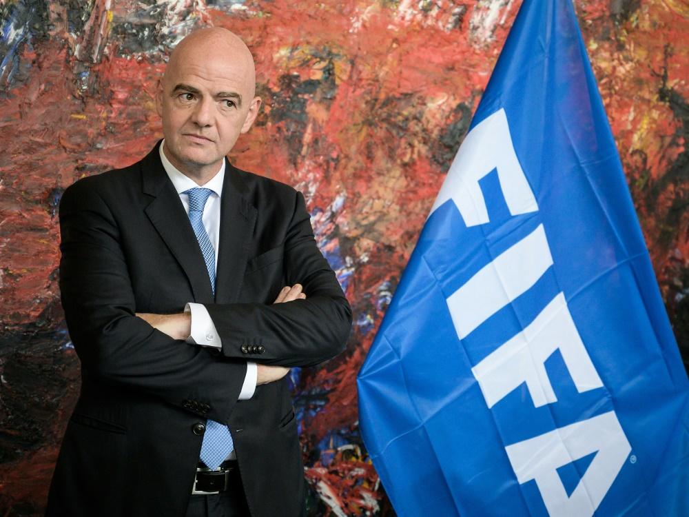 FIFA um Präsident Infantino empfiehlt Anpassung