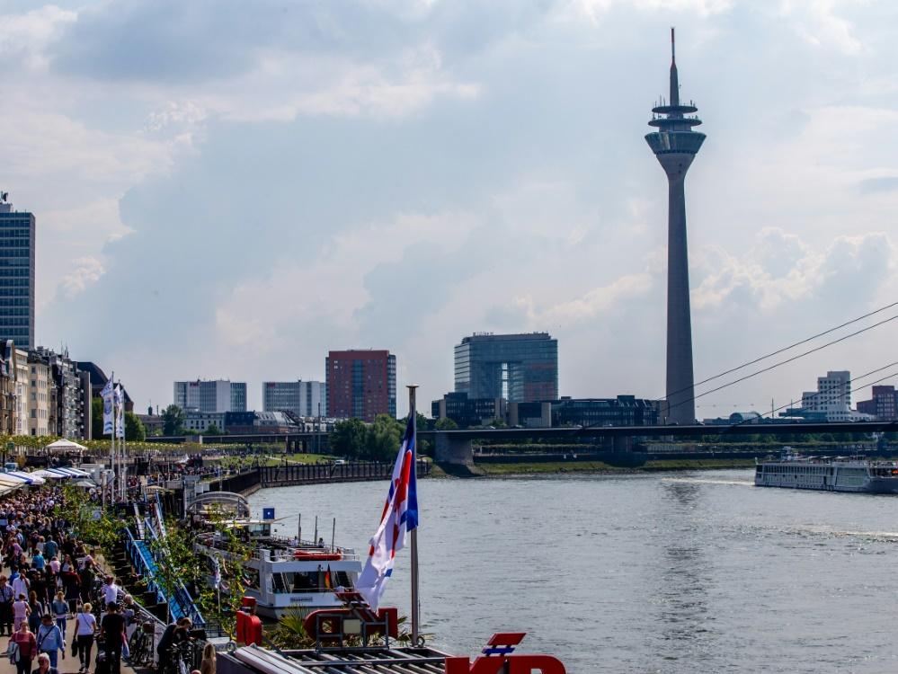 Englische Fußball-Fans randalieren in Düsseldorf