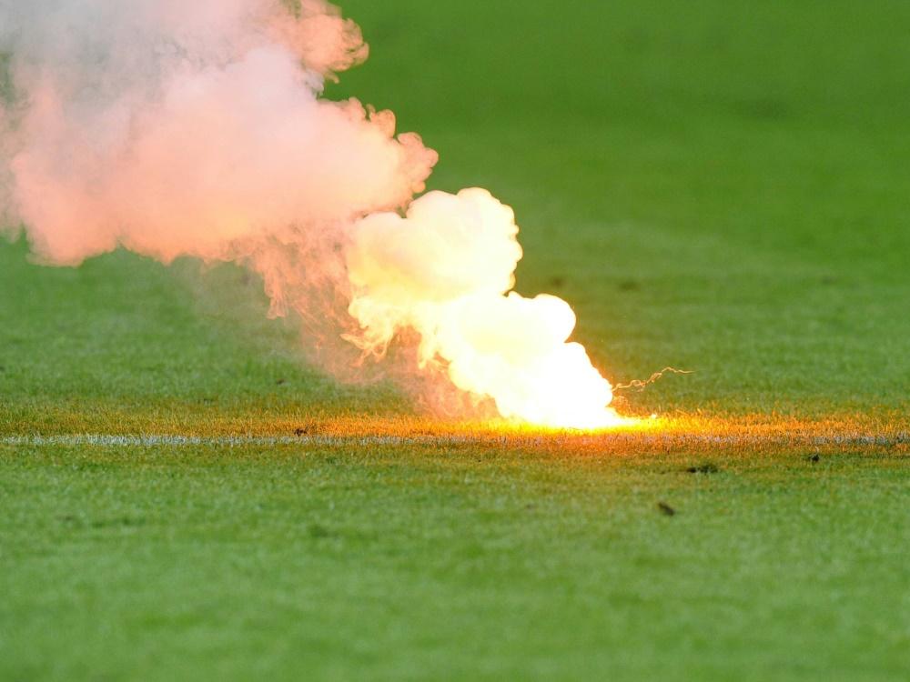 Spielabbruch durch Pyrotechnik in der Schweiz