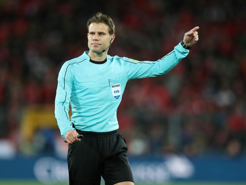 Dr. Felix Brych hofft mit vier weiteren Schiedsrichtern auf die WM