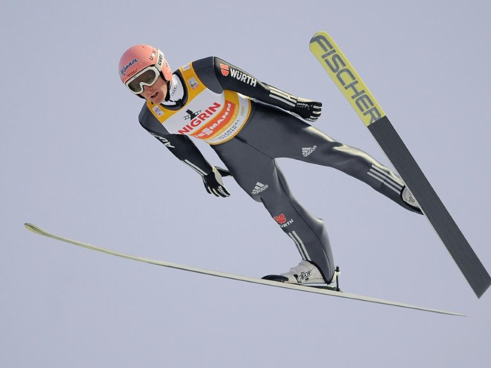 Severin Freund springt in Klingenthal auf Rang sieben