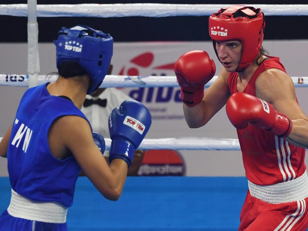 Nadine Apetz (r.) sorgt sich um Doping-Probleme im Boxen