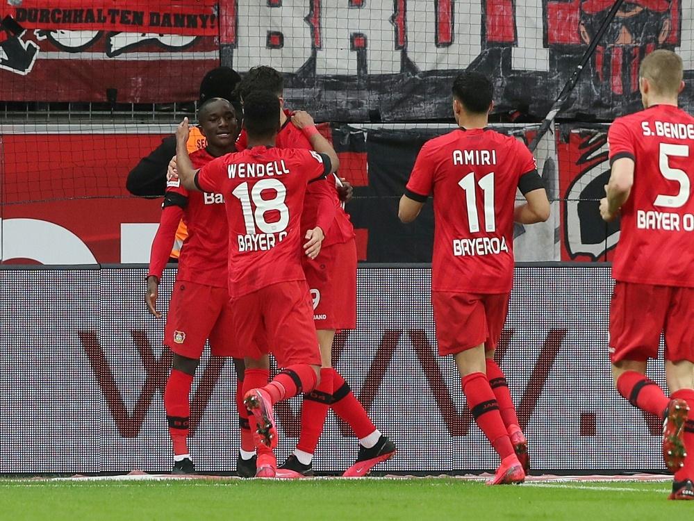 Bayer Leverkusen gewinnt gegen Augsburg mit 2:0