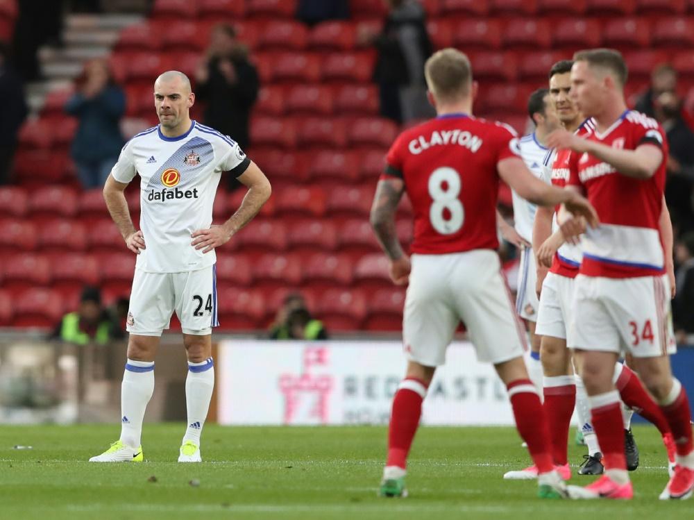 Darron Gibson (l.) und der FC Sunderland trennen sich