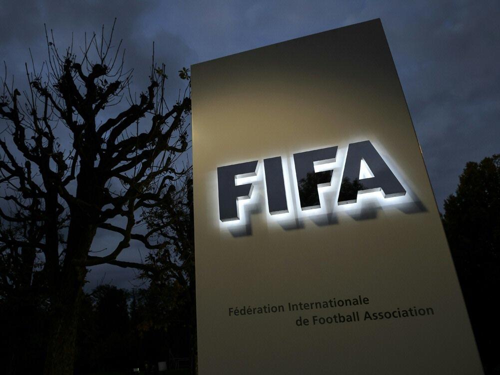 Die EPFL fordert eine Übergangsführung bei der FIFA