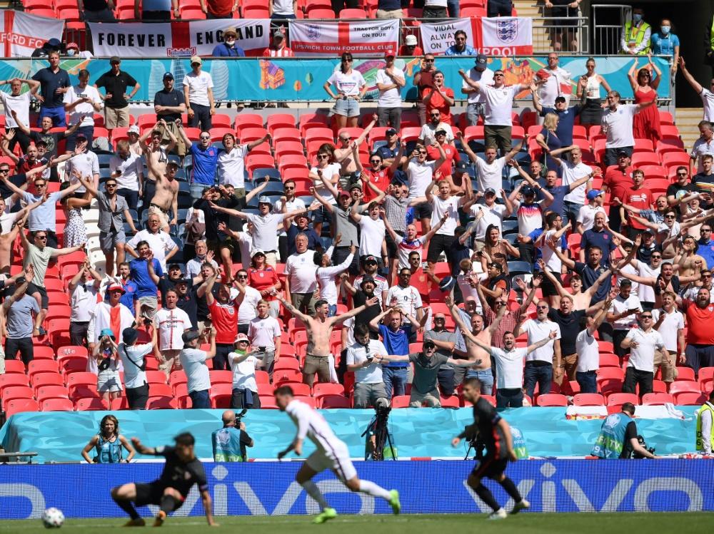 Die englischen Fans sind zurück im Wembleystadion