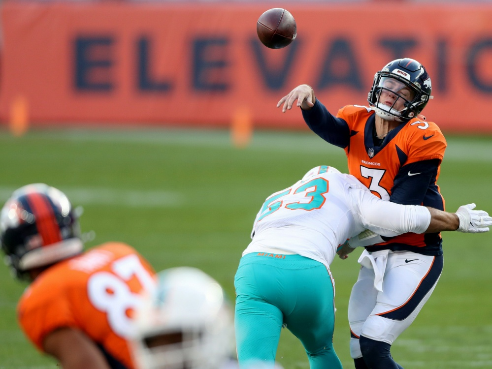 Quarterback gesucht: Auch Lock (r.) musste in Isolation