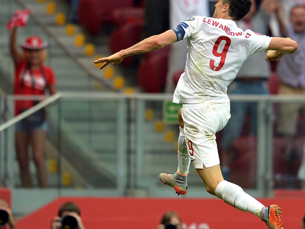 Robert Lewandowski erzielt drei Tore in vier Minuten