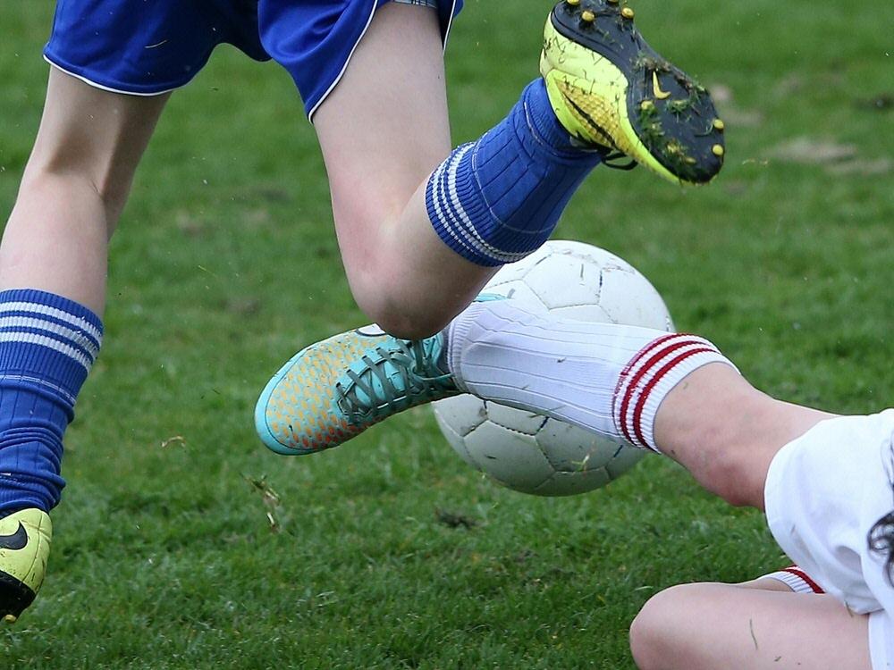 Fußball in Schottland ab der dritten Liga pausiert