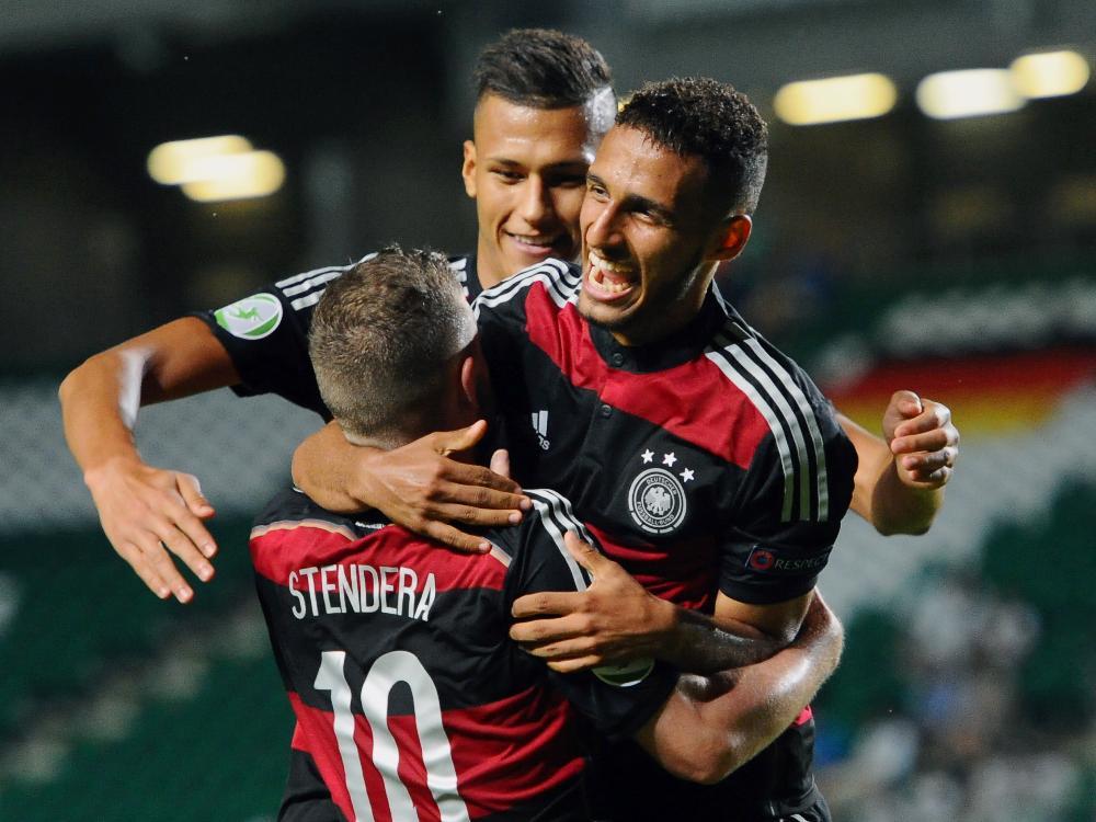U19: Davie Selke (m.) schießt DFB-Auswahl ins Halbfinale