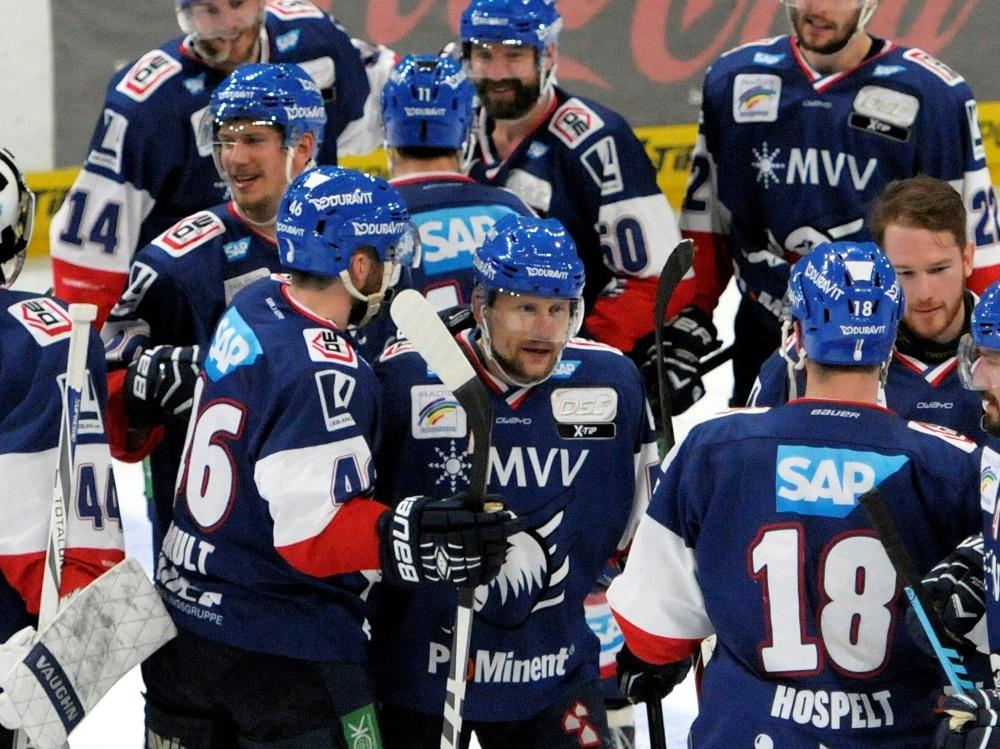 Die Adler Mannheim bezwingen die Schwenninger Wild Wings